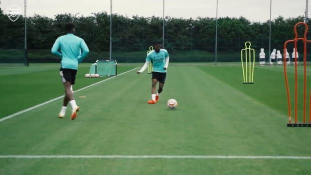 Arsenal work hard ahead of Chelsea show down
