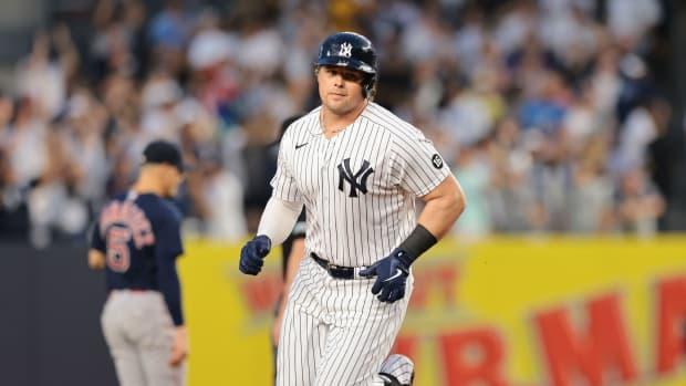 Yankees 1B Luke Voit hits home run