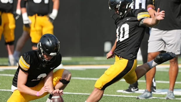 Iowa kicker Caleb Shudak