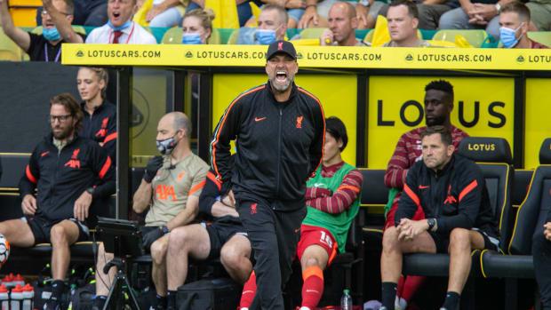 Jurgen Klopp screams instructions against Norwich