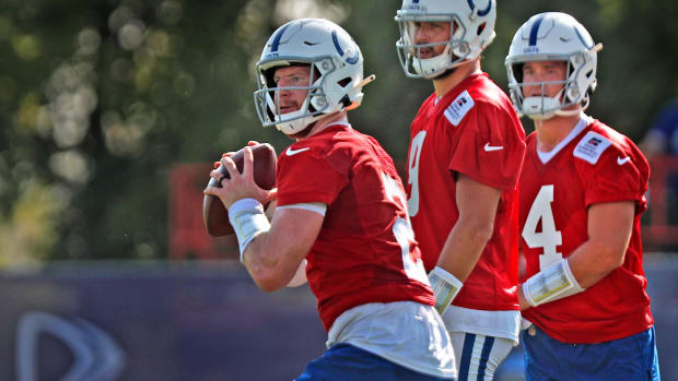 Quarterback Carson Wentz (#2), left, runs drills as he returns to Colts camp practice Monday, Aug. 23, 2021 at Grand Park Sports Campus in Westfield. Colts Camp Practice Continues At Grand Park Sports Campus In Westfield Monday Aug 23 2021
