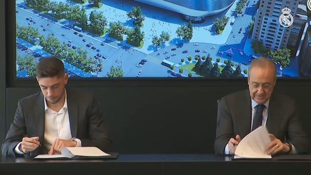 Federico Valverde signs contract renewal until 2027