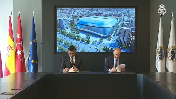 Casemiro signs contract renewal until 2025