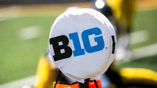 Big Ten first down marker