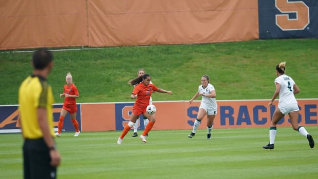 Telly Vunipola handles the ball for the Orange against Eastern Michigan