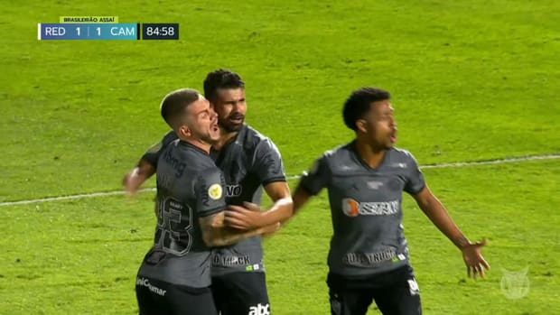 Diego Costa's incredible debut goal with Atlético-MG