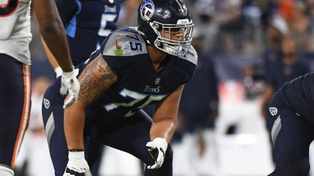 Tennessee Titans offensive tackle Dillon Radunz (75) lines up against the Chicago Bears during the second half at Nissan Stadium.