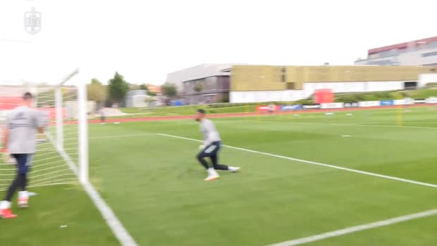 Great goals and saves as Spain begin training camp