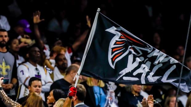 falcons fans flag
