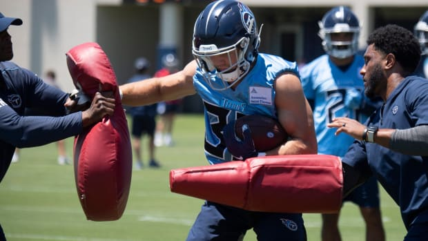 Tennessee Titans safety Brady Breeze (33) runs through receiver drills during a Mini-Camp practice at Saint Thomas Sports Park Tuesday, June 15, 2021 in Nashville, Tenn.