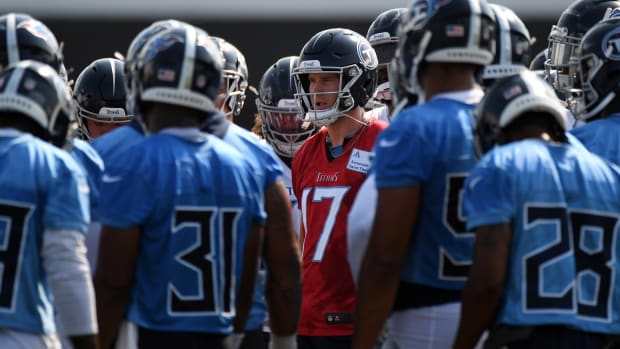 ennessee Titans quarterback Ryan Tannehill (17) in a huddle during training camp at Saint Thomas Sports Park.