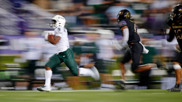 Michigan State Spartans running back Kenneth Walker III (9) runs with the ball against the Northwestern Wildcats during the fourth quarter at Ryan Field. Jon Durr-USA TODAY Sports