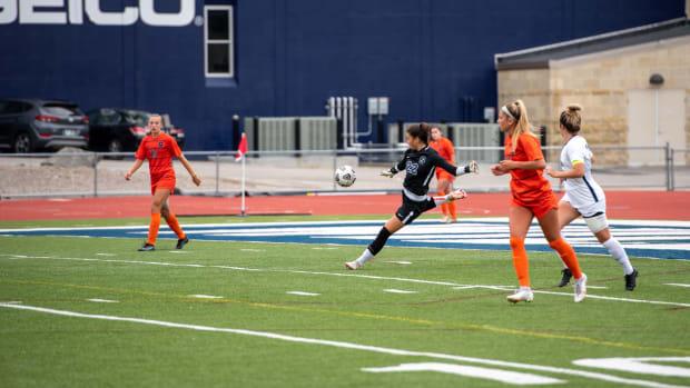 Proulx SU Women's Soccer