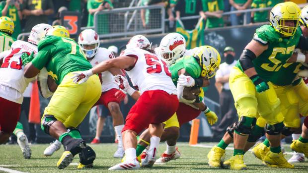 Oregon Offensive Line Fresno State