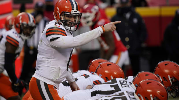 Jan 17, 2021; Kansas City, Missouri, USA; Cleveland Browns quarterback Baker Mayfield (6) before the snap against the Kansas City Chiefs during the second half in the AFC Divisional Round playoff game at Arrowhead Stadium. Mandatory Credit: Jay Biggerstaff-USA TODAY Sports