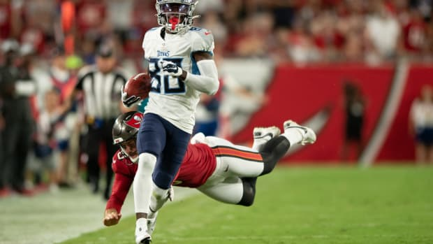 Tennessee Titans wide receiver Chester Rogers (80) runs down the sideline against the Tampa Bay Buccaneers in the second quarter at Raymond James Stadium.