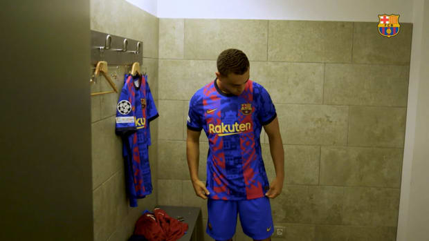 Behind the scenes: Barcelona's new 2021/22 Champions League Kit