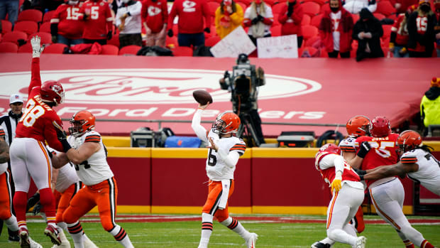 Jan 17, 2021; Kansas City, Missouri, USA; Cleveland Browns quarterback Baker Mayfield (6) throws against the Kansas City Chiefs during the first half in the AFC Divisional Round playoff game at Arrowhead Stadium. Mandatory Credit: Jay Biggerstaff-USA TODAY Sports