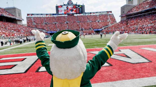 Oregon's mascot enjoys the atmosphere at Ohio State
