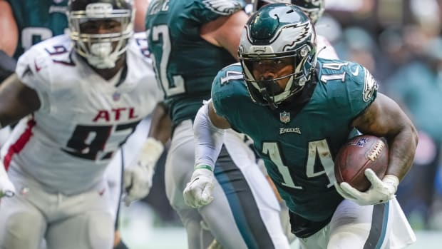 Eagles rookie RB Kenny Gainwell scored a touchdown in his first NFL game