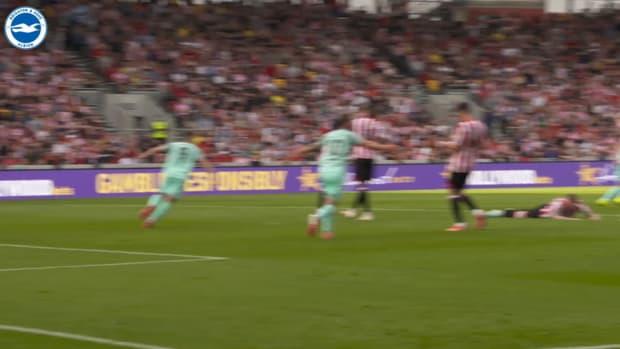Pitchside View: Leandro Trossard's last-minute winner at Brentford