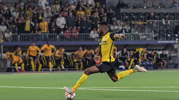 Jordan Pefok scores the winner vs Man United