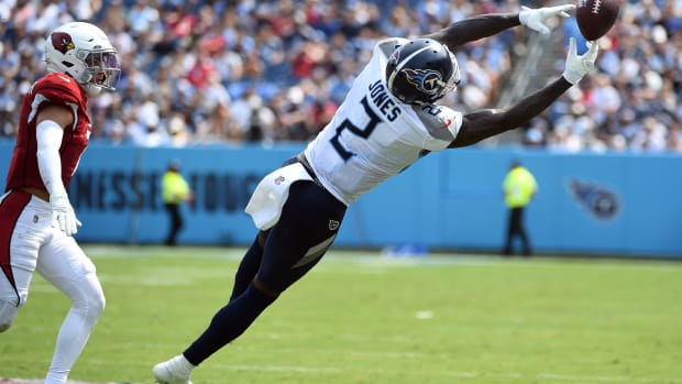 Tennessee Titans wide receiver Julio Jones (2) is unable to hold onto a pass during the first half against the Arizona Cardinals at Nissan Stadium.