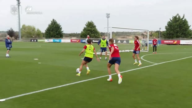 Aitana Bonmatí impresses in Spain women's training