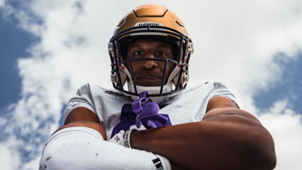 Cam Williams has been reinserted as a Husky starter.