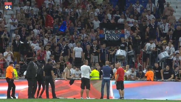 Peter Bosz spoke to the fans after Strasbourg win