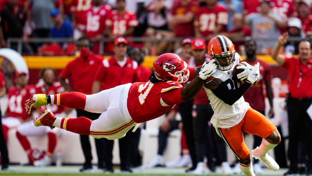 Kansas City Chiefs nose tackle Derrick Nnadi (91) is called for a facemask penalty on Cleveland Browns wide receiver Jarvis Landry (80) during the first half at GEHA Field at Arrowhead Stadium.