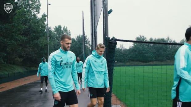 Arsenal stars prepare for Burnley trip