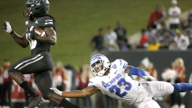 Te-Vailance Hunt in one of 39 transfer on the Arkansas State roster.