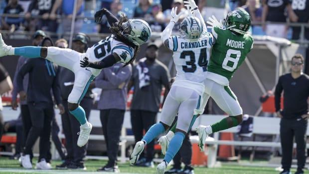 Jets WR Elijah Moore defended against Carolina Panthers