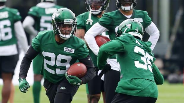Jets safety Lamarcus Joyner practicing
