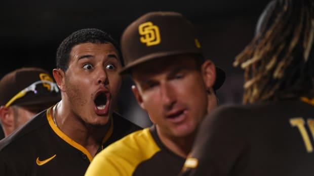 Manny Machado screaming at teammate Fernando Tatis Jr.