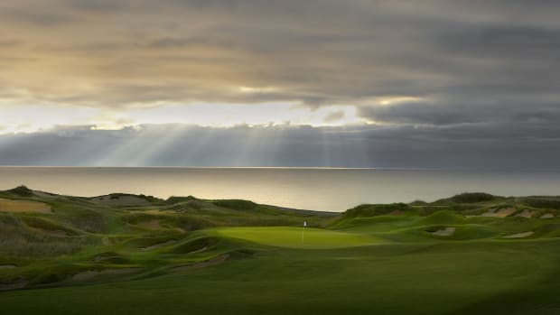 Straits Course _ Hole 1 Green
