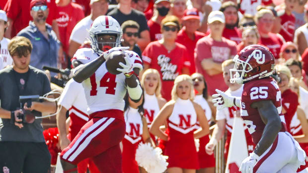 Rahmir Johnson catch Nebraska Oklahoma 2021 USATSI_16776881 cropped