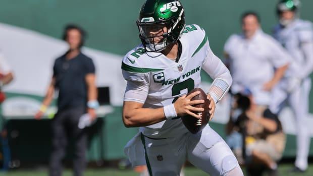 Jets QB Zach Wilson looks to pass