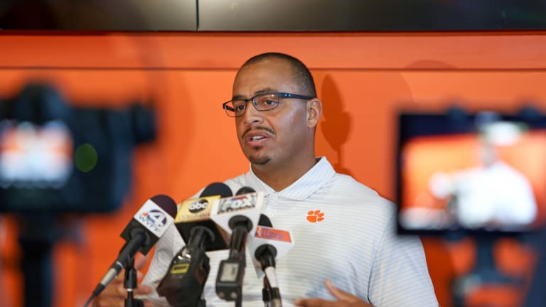 Time for Dixon to step up as leader, coach says