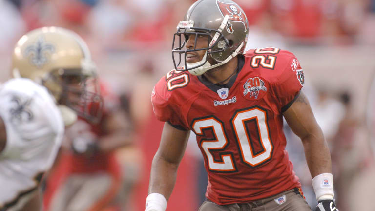 3 Bucs Legends Named Pro Football Hall of Fame Semifinalists