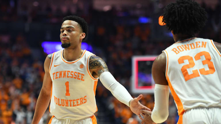 Turner, Bowden lead the way as Vols pummel Eastern New Mexico
