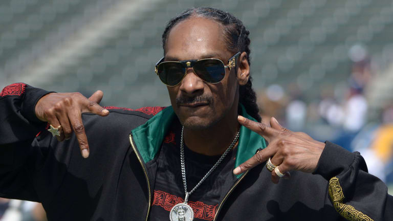 Weekend Hot Clicks: Snoop, Kansas and a Phoggy, Oggy Issue