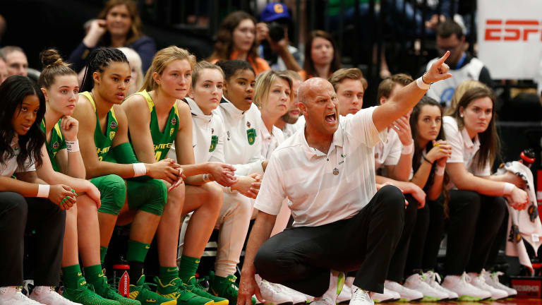 Kelly Graves and the Oregon Ducks Ranked No. 1 in Preseason Top-25