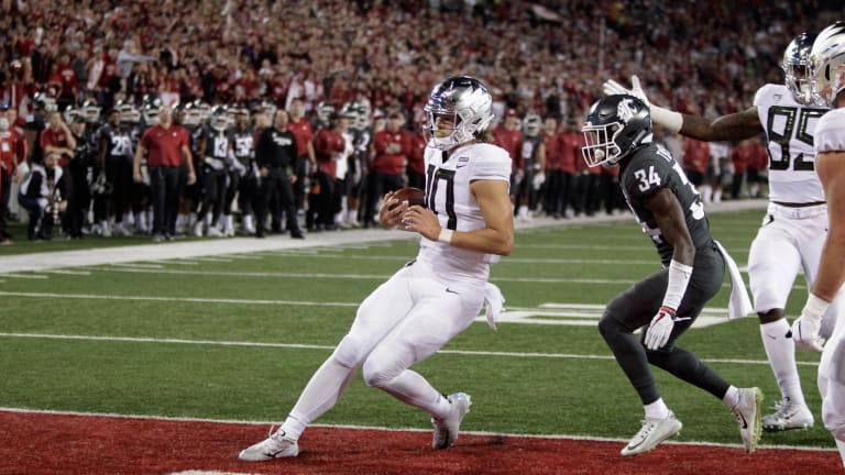 Oregon Uses Game-Winning Field Goal to Avoid Upset, Beating Washington State at Home
