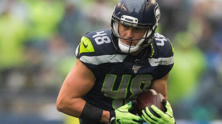 Athletic 'Joker' TE Jacob Hollister Must Rise to Occasion for Seahawks