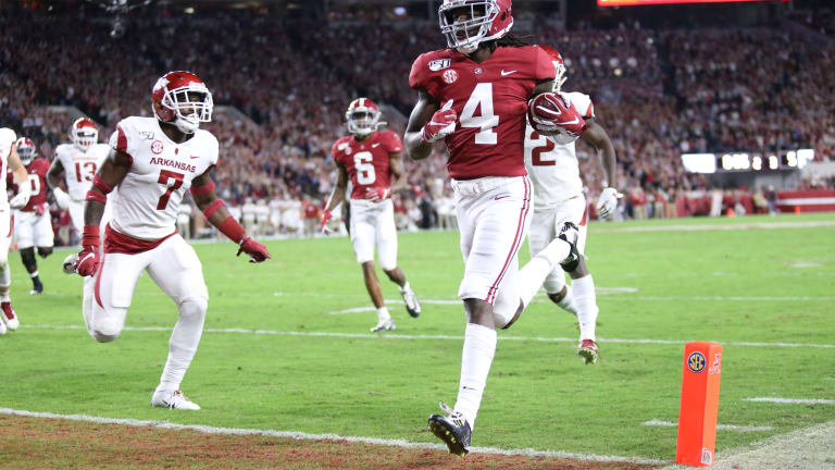 Alabama Walks All Over Arkansas in 48-7 Homecoming Blowout