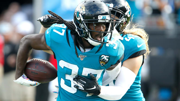 Tre Herndon Has Career Day in Jaguars' Dominant Win Over Jets