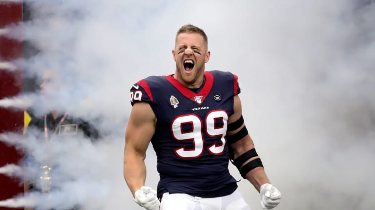 Houston Texans J.J. Watt Leaves Game Against the Oakland Raiders With a Shoulder Injury