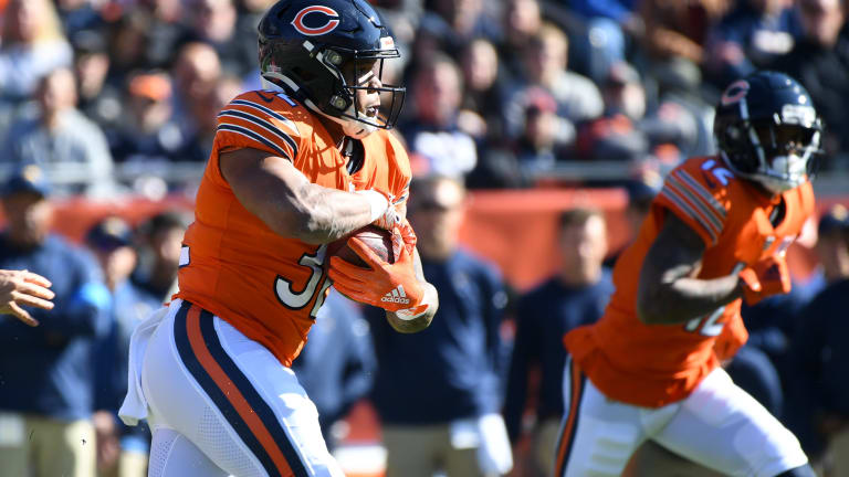 David Montgomery's Big Day Wasted by Mistake-Prone Bears